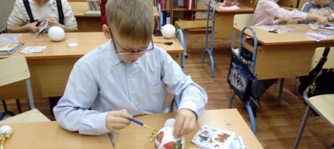 В воскресной школе продолжается подготовка к празднованию Рождества Христова