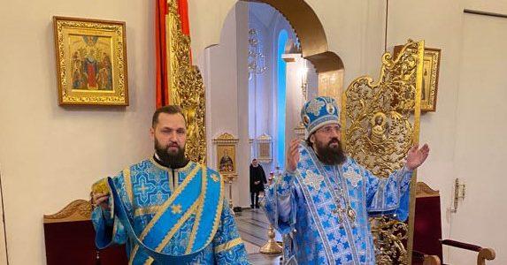В день празднования Иверской иконы Божией Матери епископ Агафангел совершил Божественную Литургию в кафедральном соборе Норильска